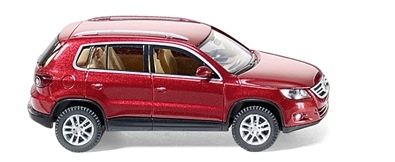 WIKING 0068 01  VW Tiguan - wild cherry-metallic